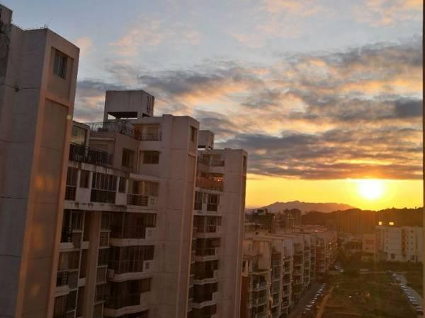 出售东方印象4室2厅2卫138平米160万住宅