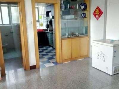 元洪附属小学学区房,交通便利,周边配套齐全,生活方便!