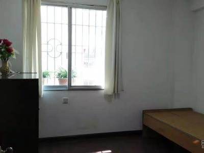 出租,向高街明宫楼4室2厅中等装修,2500元/月