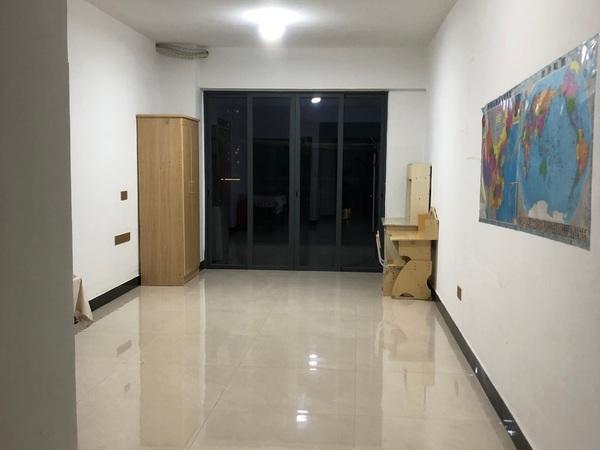 中联城3房2500元房东直租免中介费